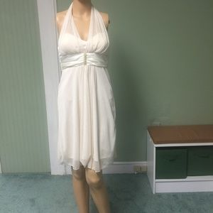 Dresses & Skirts - Ivory Formal dress,. New with tag